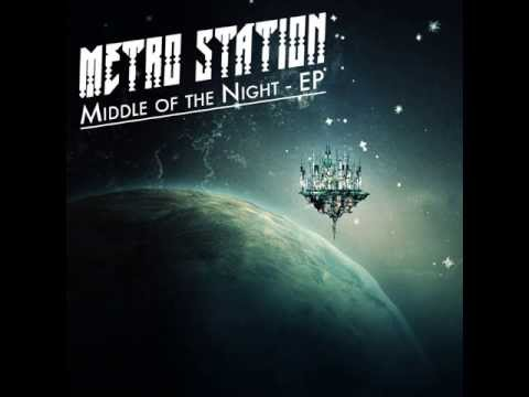 Metro Station - Barcelona lyrics