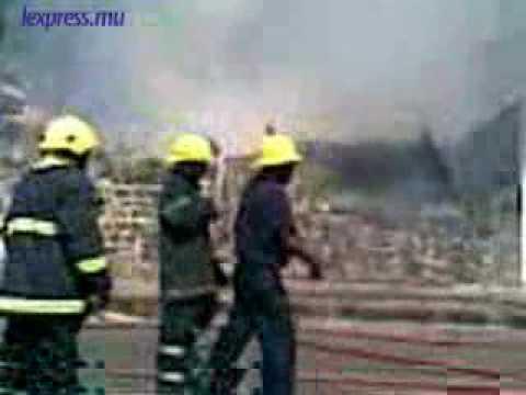 Incendie à la rue d'Entrecasteaux, à Port-Louis, le jeudi 14 mai.