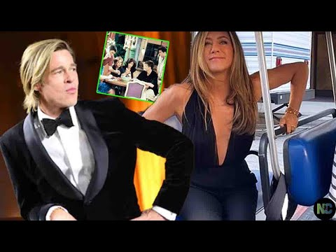 """Jennifer Aniston's reaction to seeing Brad Pitt again at the """"Friends"""" reunion"""