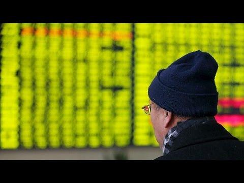 «Ελεύθερη πτώση» για τις κινεζικές αγορές