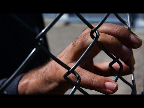 ΕΔΔΑ: «Να σταματήσει η κράτηση ανήλικων μεταναστών σε αστυνομικά τμήματα»…