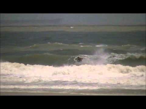PRAIA DO OLHO D'ÁGUA APRESENTA PEQUENAS ONDAS GRANDE SURFISTAS
