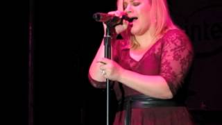 Kelly Clarkson covers Little Big Town's