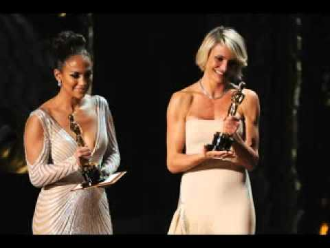Jennifer Lopez Wardrobe Malfunction at OSCAR stage 2012(84th Annual Academy Awards)