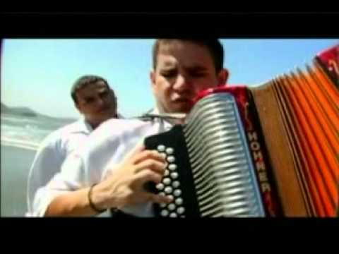 A Blanco y Negro - Silvestre Dangond (Video)