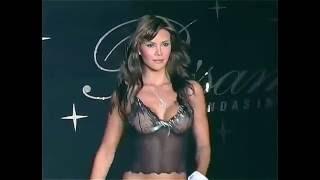 Video 02 Besame Models Natalia Paris, Claudia Perlwitz, Medellin Colombia Lingerie Fashion Show MP3, 3GP, MP4, WEBM, AVI, FLV November 2018
