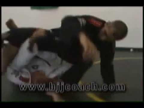 De La Riva himself & Marcello C. Monteiro bjjcoach... Jiu Jitsu Masters rolling... BJJ
