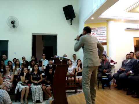 Pb.Andre Cordeiro pregando em Salmorao SP