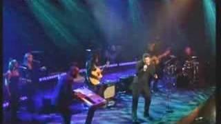 Download Lagu George Michael - Amazing [Live On Parkinson] Mp3