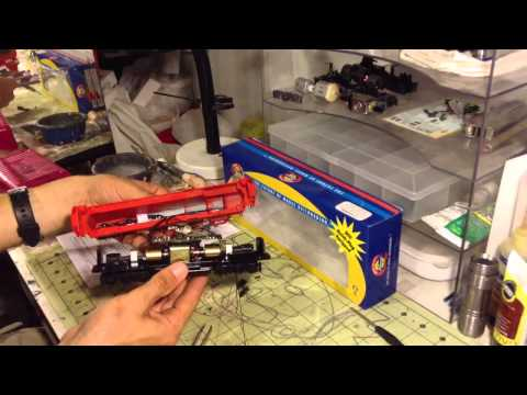 How to install a DCC decoder in a Athearn RTR locomotive!