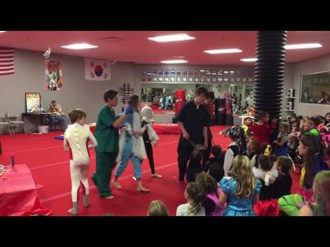 2016 Halloween Demo - Red Dragon Martial Arts!!
