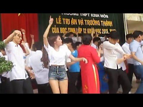 Thầy trò nhảy hỗn loạn trong lễ tốt nghiệp gây tranh cãi