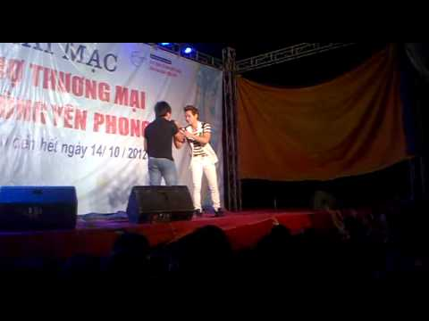 Chu bin hát ở hội chợ Yên Phong Bắc Ninh vs 1 thằng siêu hài =))