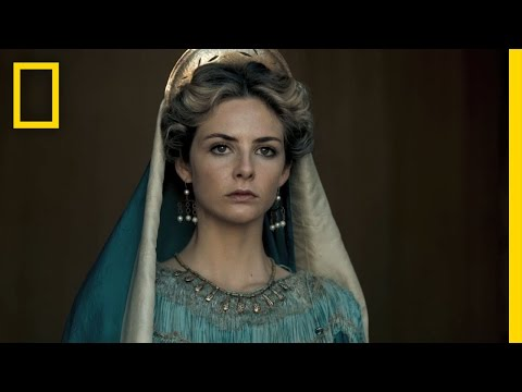 Killing Jesus (Featurette 'The Women's Costumes')