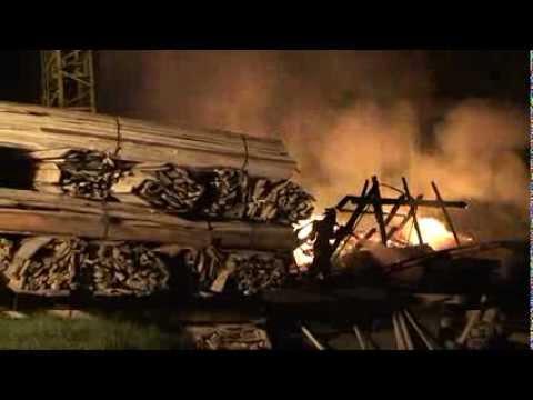 Rhenegge: Sägewerk durch Brand zerstört