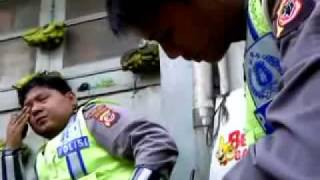 Video Video - Tawar Menawar Tilang Polisi Bandung MP3, 3GP, MP4, WEBM, AVI, FLV November 2017