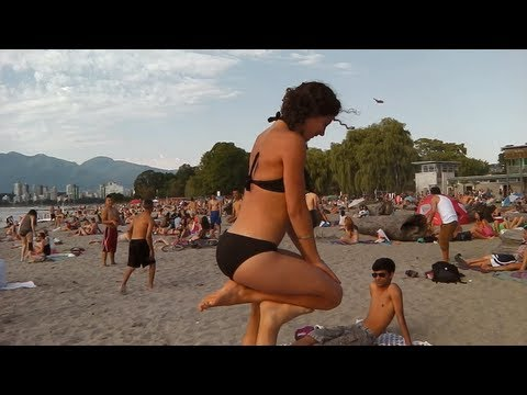 Beach Voyeur 16 - Hula (видео)