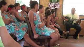 Huahine est une des îles de l'archipel de la Société en Polynésie Française. L'île est réputée pour son coté sauvage et moins touristique que Moorea ou ...