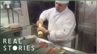 Video Secrets of The Royal Kitchen (Royal Family Documentary) - Real Stories MP3, 3GP, MP4, WEBM, AVI, FLV Agustus 2019