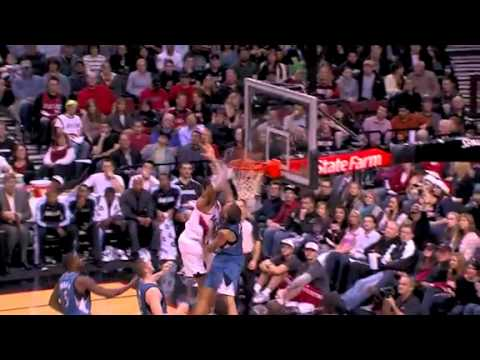 LaMarcus Aldridge dunked over Michael Beasley