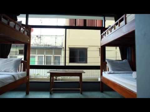 Vídeo de Feung Nakorn Balcony Rooms and Cafe