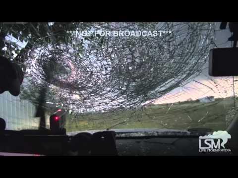 Softball-sized hail destroys windshield in north Texas