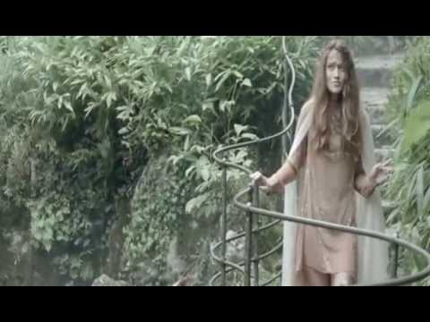 Tekst piosenki Valerie Dore - The Magic Rain po polsku