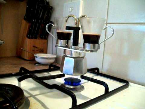 Bialetti Mini Express in action
