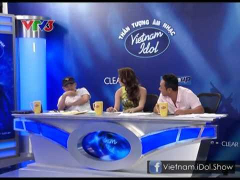 """[Vietnam Idol 2012] Nguyễn Hương Giang khiến NS Quốc Trung """"ko dám"""" nhìn trực tiếp…"""
