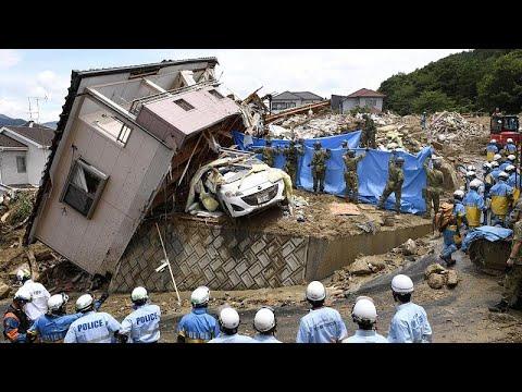 Ιαπωνία: Εικόνες καταστροφής μετά τις φονικές πλημμύρες και κατολισθήσεις…