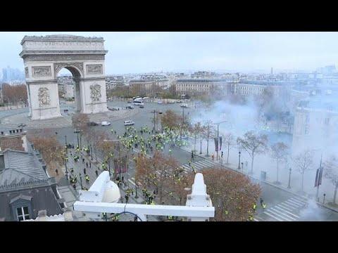 Παρίσι: Χημικά και συλλήψεις στη διαδήλωση των «κίτρινων γιλέκων»…