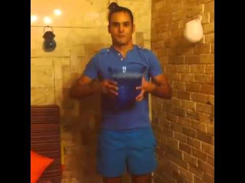 چالش سطل آب یخ         آرش برهانی   Iranian Ice Bucket Challenge