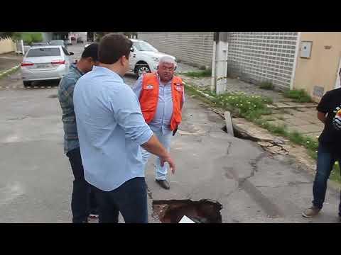 Prefeitura vai reconstruir via no Pinheiro
