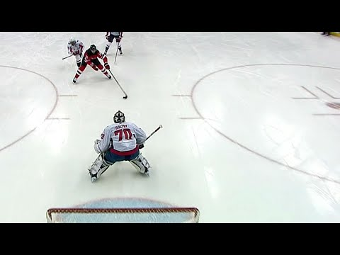 Video: Devils' Stafford goes forehand to backhand to beat Holtby