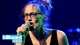 Fiona Apple Debuts Anti-Trump Song 'Tiny Hands' in Honor of Women's March | Billboard News