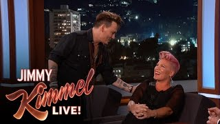 Video Johnny Depp Surprises P!nk MP3, 3GP, MP4, WEBM, AVI, FLV Oktober 2018