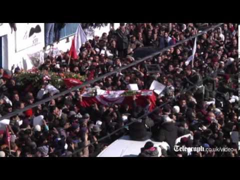 Tunisia: thousands mass for Chokri Belaid funeral