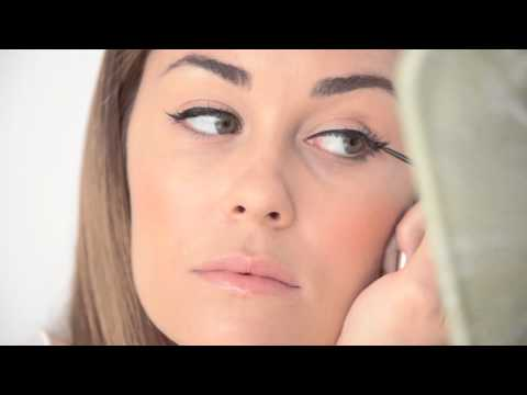 cat eyes - Lauren Conrad and Amy Nadine show you how to get Lauren's signature winged eye liner in 