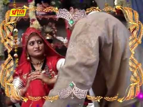 Video Makhmal Vali Chapal Pair-Rajasthani New Love Video Song Of 2012 By Bhomaram Jhil download in MP3, 3GP, MP4, WEBM, AVI, FLV January 2017