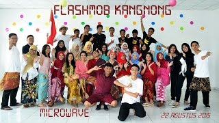 Kegiatan kangnong di acara perayaan HUT Kemerdekaan Indonesia yang rutin diadakan setiap tahun di SMAN 2 Tangerang.MICROWAVEXII MIA 7SMAN 2 Tangerang