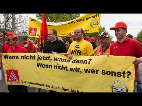 Opelaner demonstrieren in Eisenach gegen mögliche Ste ...