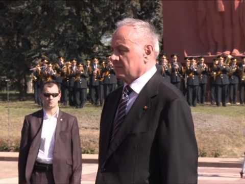 Președintele Nicolae Timofti a participat la ceremoniile dedicate Zilei Victoriei