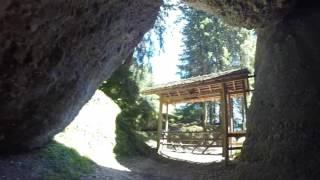 スイス発  ヴェギスにある神秘的な場所【スイス情報.com】