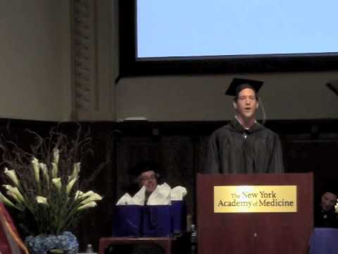 Comedian gives Chinese Medical school graduation speech