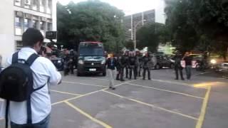 Durante manifestação de estudantes, tropa de choque da PM invade campus da Universidade do Estado do Rio de Janeiro...