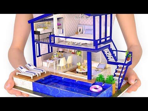 Une Maison Miniature Avec Une Vraie Piscine À Fabriquer À La Main
