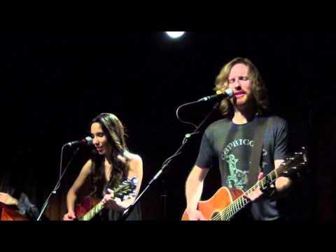 Dawn & Hawkes ~Norwegian Wood~ LIVE IN AUSTIN TEXAS at the Saxon Pub