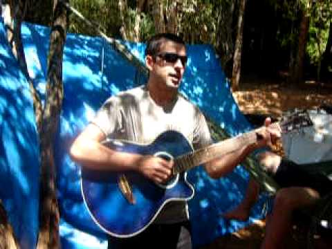 Geison cantando na pescaria em Itaquirai MS