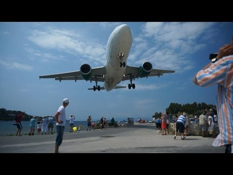 Extremely low landing, Skiathos Airport, Greece