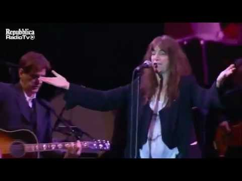 Patti Smith - Eart Day Italia 2011 - People have the power